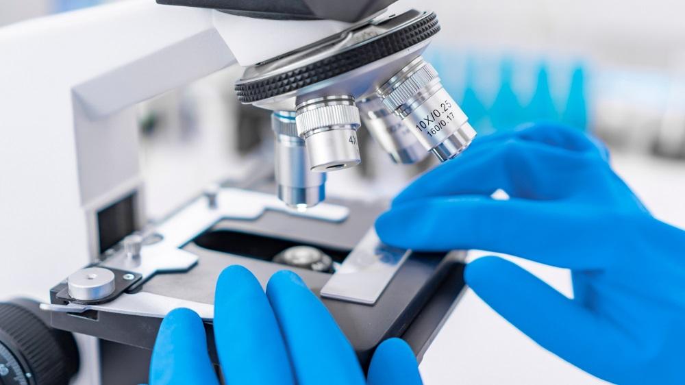 examen anatomopathologique des tissus prélevés